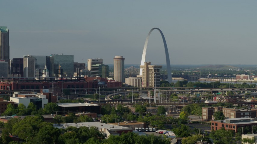 5.7K stock footage aerial video of the Gateway Arch and part of the baseball stadium in Downtown St. Louis, Missouri Aerial Stock Footage | DX0001_000820