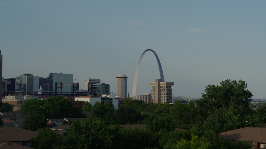 5.7K aerial video of the Gateway Arch seen while descending, Downtown St. Louis, Missouri Aerial Stock Footage | DX0001_000828