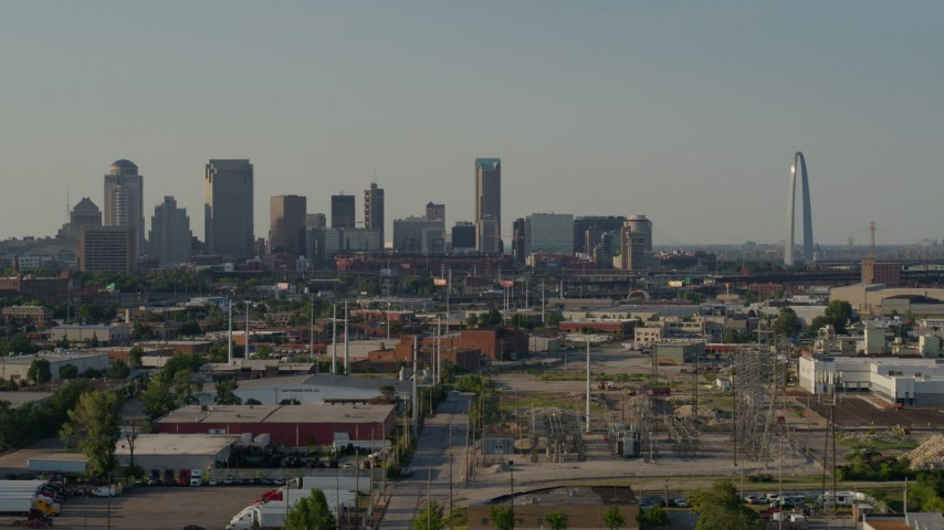 5.7K stock footage aerial video a wide view of the city skyline and Gateway Arch, Downtown St. Louis, Missouri Aerial Stock Footage | DX0001_000830