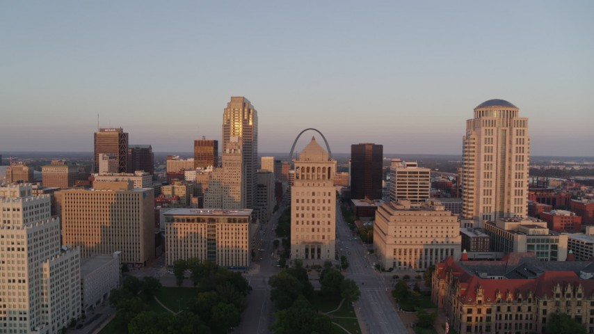 5.7K stock footage aerial video of descending near the courthouses and downtown at sunset, Downtown St. Louis, Missouri Aerial Stock Footage | DX0001_000865
