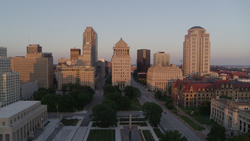 5.7K aerial video of a stationary view of the courthouses and downtown at sunset, Downtown St. Louis, Missouri Aerial Stock Footage | DX0001_000866