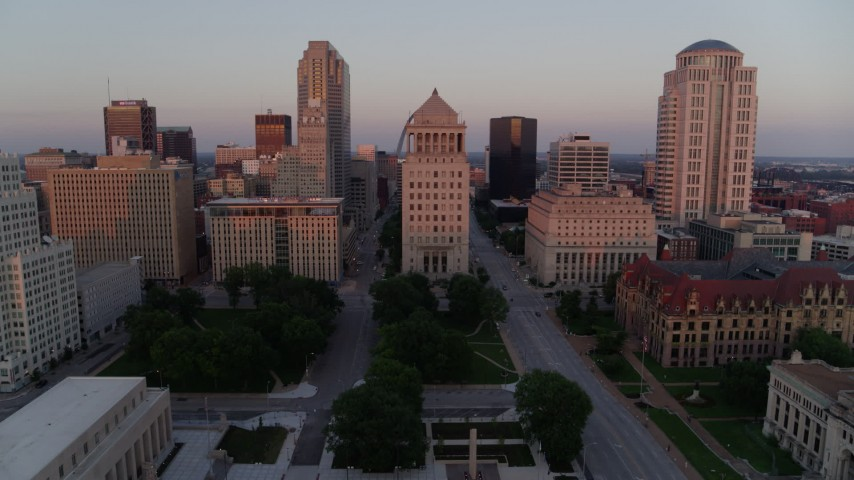 5.7K aerial video of the Gateway Arch and downtown courthouses at sunset, Downtown St. Louis, Missouri Aerial Stock Footage | DX0001_000872