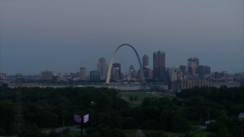 5.7K aerial video of the famous Arch and Downtown St. Louis, Missouri, across the river at twilight Aerial Stock Footage | DX0001_000907