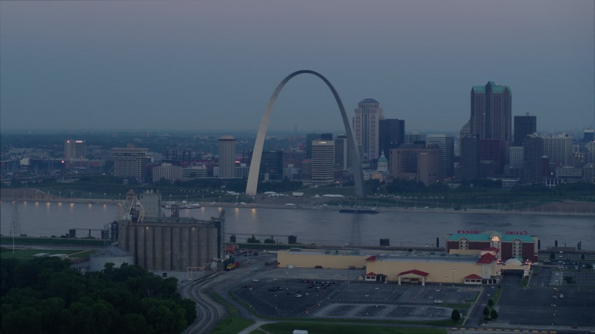 5.7K stock footage aerial video of the Gateway Arch and Downtown St. Louis, Missouri, skyline at twilight Aerial Stock Footage | DX0001_000909