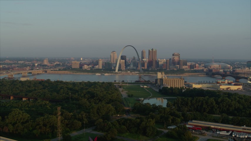 5.7K aerial video approach park and the Gateway Arch in the morning, Downtown St. Louis, Missouri Aerial Stock Footage | DX0001_000960