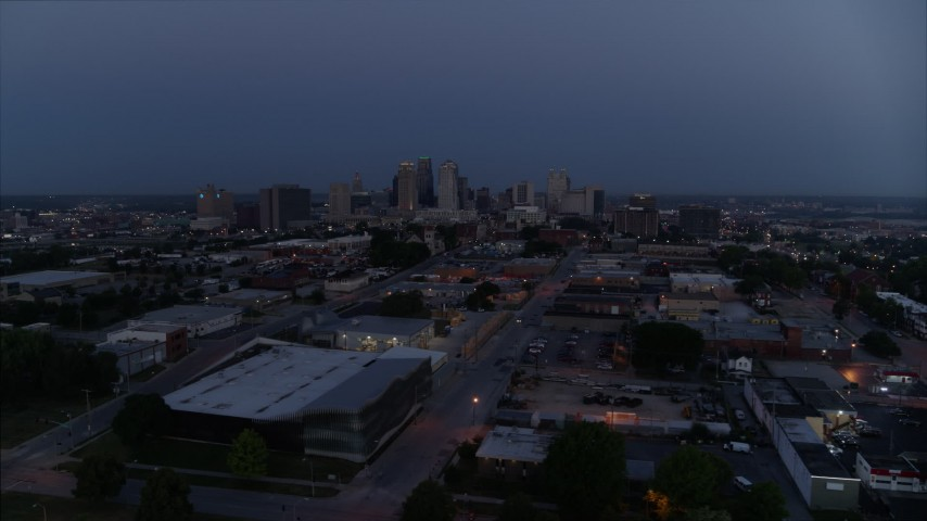 5.7K stock footage aerial video of the city skyline at twilight in Downtown Kansas City, Missouri Aerial Stock Footage | DX0001_000972