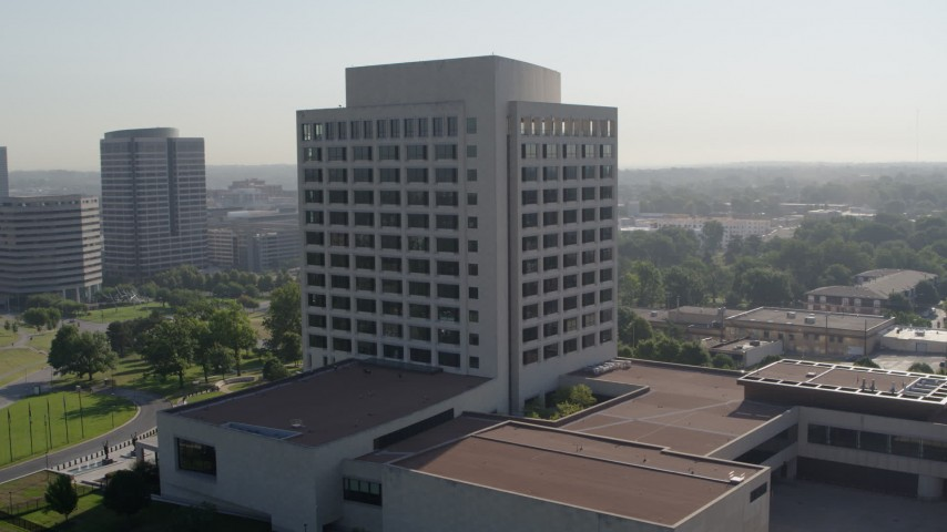 5.7K stock footage aerial video of circling an office building in Kansas City, Missouri Aerial Stock Footage | DX0001_001063