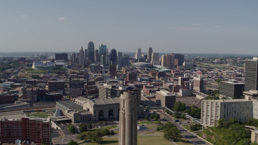 5.7K stock footage aerial video fly away from skyline to reveal the WWI memorial, Downtown Kansas City, Missouri Aerial Stock Footage | DX0001_001113