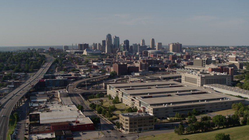 5.7K stock footage aerial video static and reverse view government office building and city skyline, Downtown Kansas City, Missouri Aerial Stock Footage | DX0001_001124