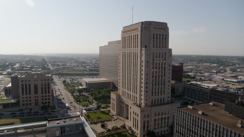 5.7K stock footage aerial video flyby a courthouse at sunrise for view of government office building, Downtown Kansas City, Missouri Aerial Stock Footage | DX0001_001263