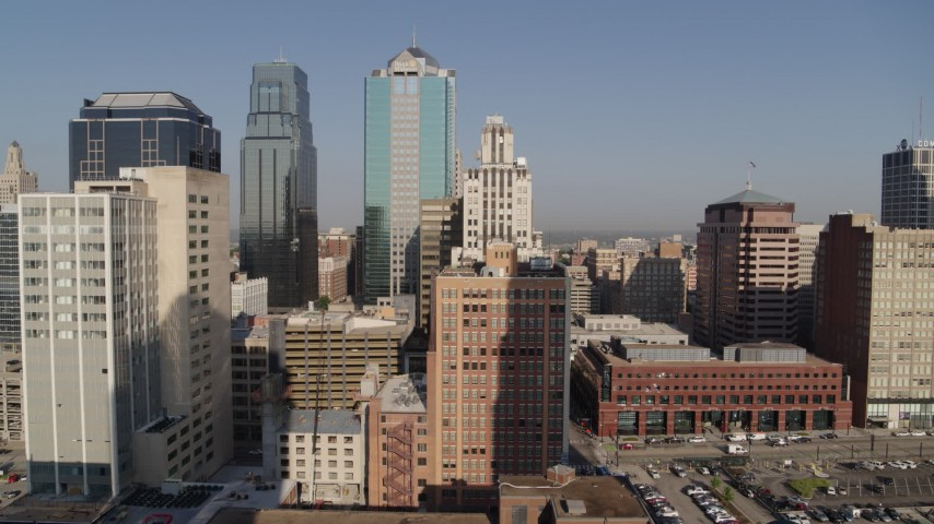5.7K stock footage aerial video of orbiting a tall downtown skyscraper at sunrise, Downtown Kansas City, Missouri Aerial Stock Footage | DX0001_001278