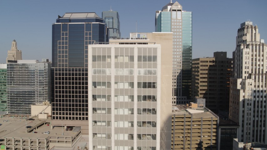 5.7K stock footage aerial video stationary view of a downtown office building at sunrise, Downtown Kansas City, Missouri Aerial Stock Footage | DX0001_001281