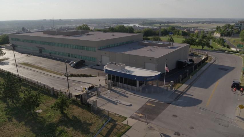 5.7K stock footage aerial video of orbiting an FBI office building in Kansas City, Missouri Aerial Stock Footage | DX0001_001316