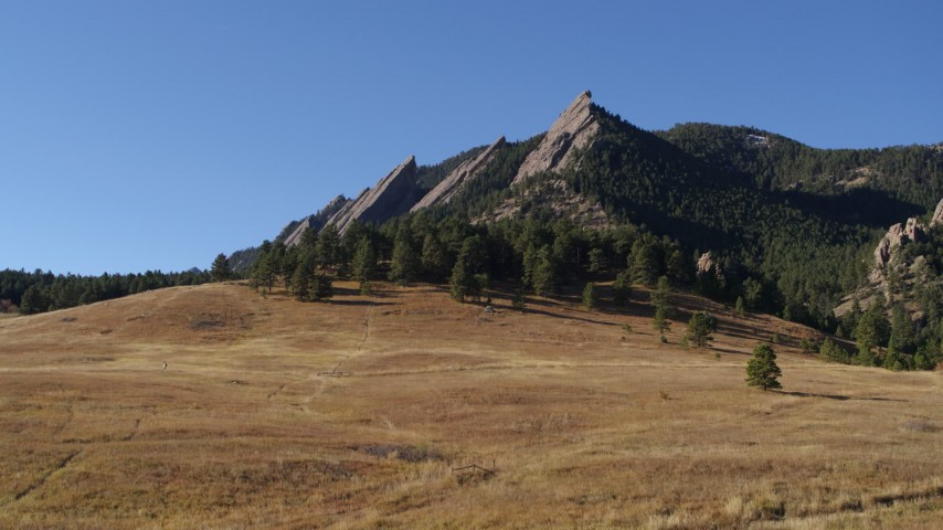 5.7K stock footage aerial video of reverse view of Green Mountain's flatirons before descending in the Rocky Mountains, Colorado Aerial Stock Footage DX0001_001903 | Axiom Images