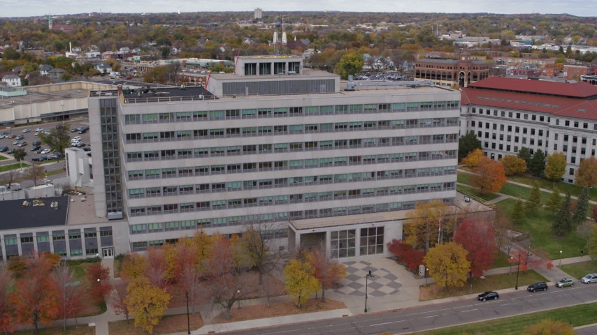 5.7K stock footage aerial video of a view of a government office building in Saint Paul, Minnesota Aerial Stock Footage | DX0001_002426