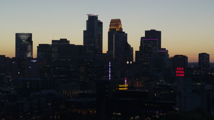 5.7K stock footage aerial video of the city skyline at twilight, Downtown Minneapolis, Minnesota Aerial Stock Footage | DX0001_002568