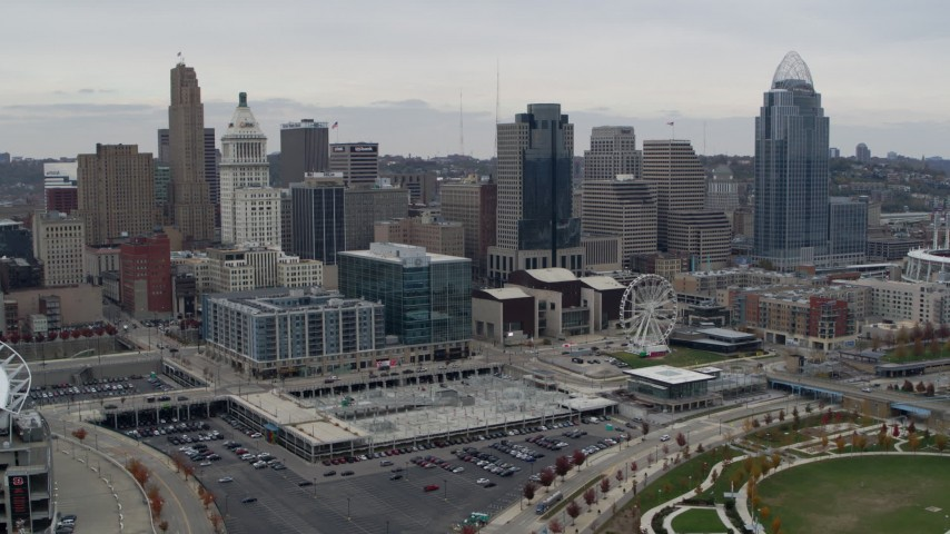 5.7K aerial video of a reverse view of tall skyscrapers and skyline in Downtown Cincinnati, Ohio Aerial Stock Footage | DX0001_002669