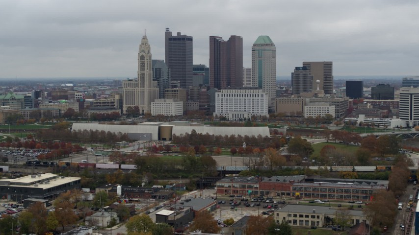5.7K aerial video descend with view of skyscrapers in skyline in Downtown Columbus, Ohio Aerial Stock Footage | DX0001_002697