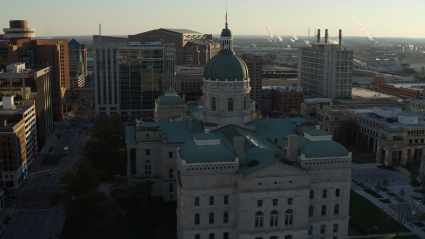 5.7K aerial video approach and flyby the Indiana State House in Downtown Indianapolis, Indiana Aerial Stock Footage | DX0001_002909