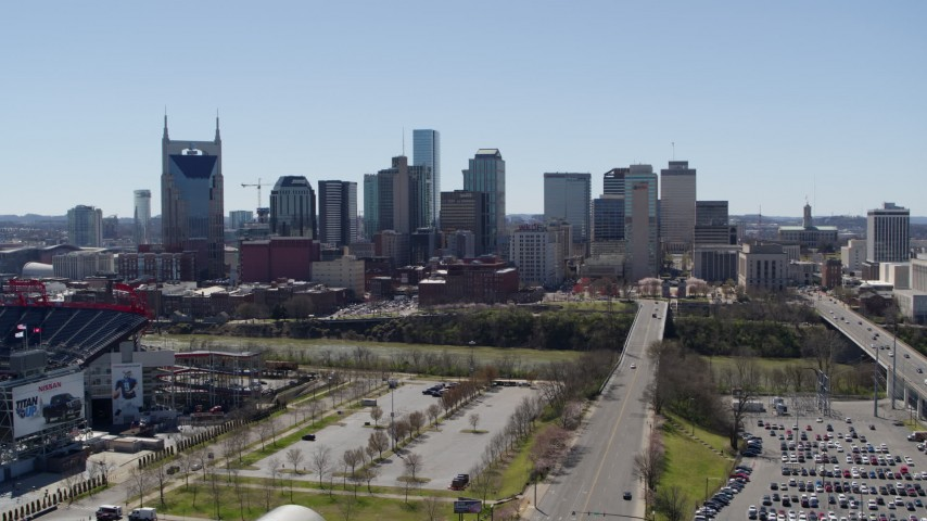 5.7K stock footage aerial video approaching the city's skyline near the river in Downtown Nashville, Tennessee Aerial Stock Footage | DX0002_112_003