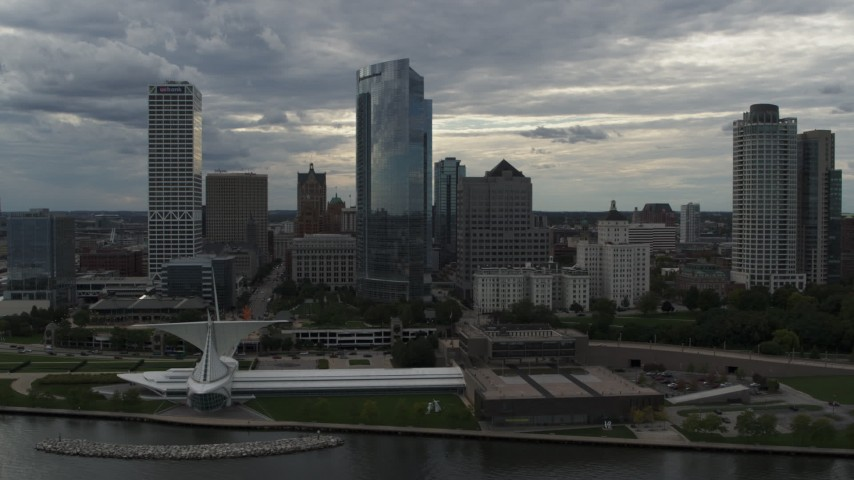 5.7K stock footage aerial video of skyscrapers and the waterfront art museum in Downtown Milwaukee, Wisconsin Aerial Stock Footage | DX0002_154_001