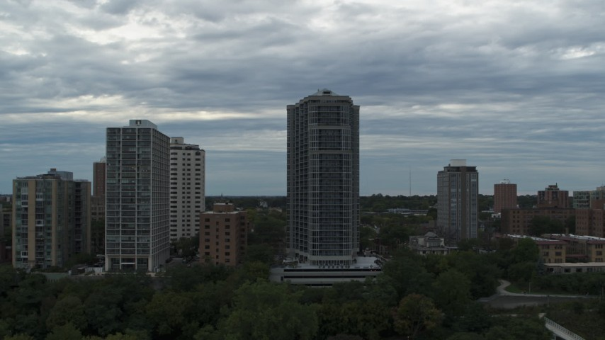 5.7K stock footage aerial video of a condominium high-rise in Milwaukee, Wisconsin Aerial Stock Footage | DX0002_154_027