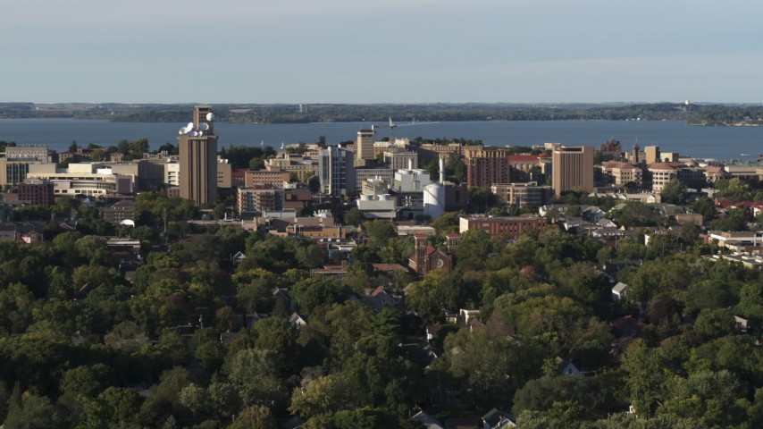 5.7K stock footage aerial video of the lakeside university campus while descending, Madison, Wisconsin Aerial Stock Footage | DX0002_161_018