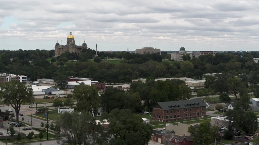 5.7K stock footage aerial video of the Iowa State Capitol and grounds in Des Moines, Iowa during descent Aerial Stock Footage | DX0002_165_028