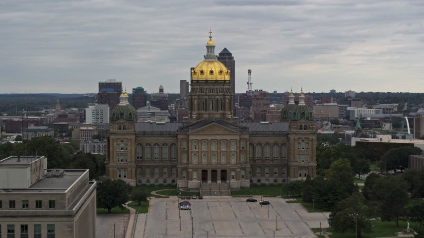 5.7K stock footage aerial video of an orbit of the Iowa State Capitol in Des Moines, Iowa Aerial Stock Footage | DX0002_165_042