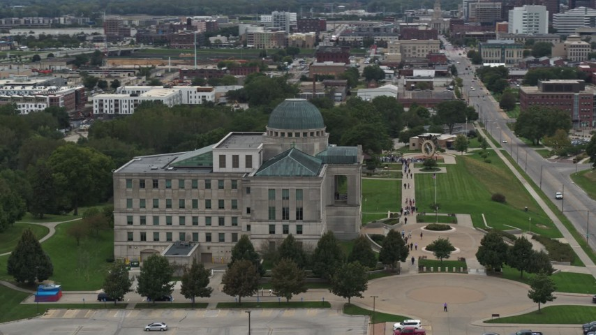 5.7K stock footage aerial video of orbiting the Iowa Court of Appeals in Des Moines, Iowa Aerial Stock Footage | DX0002_166_001