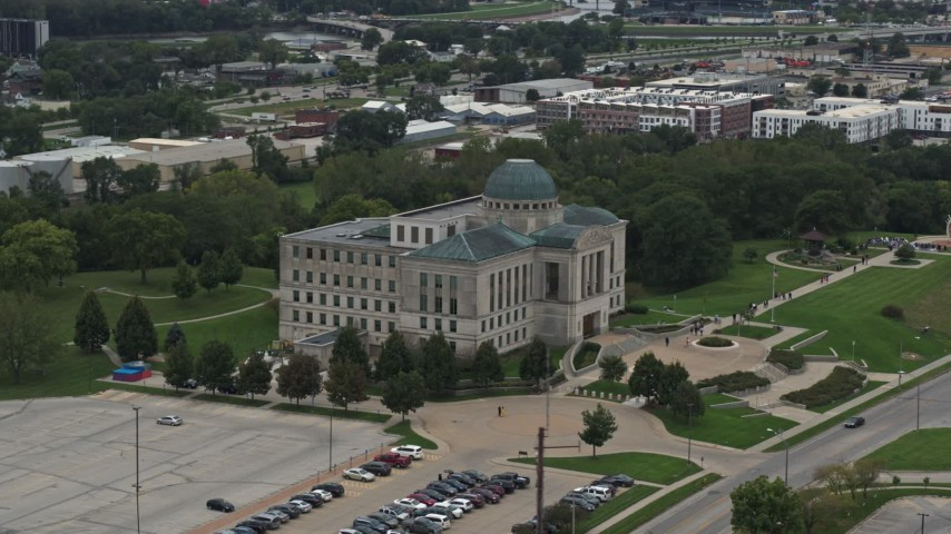 5.7K stock footage aerial video of an orbit of the Iowa Court of Appeals in Des Moines, Iowa Aerial Stock Footage | DX0002_166_002