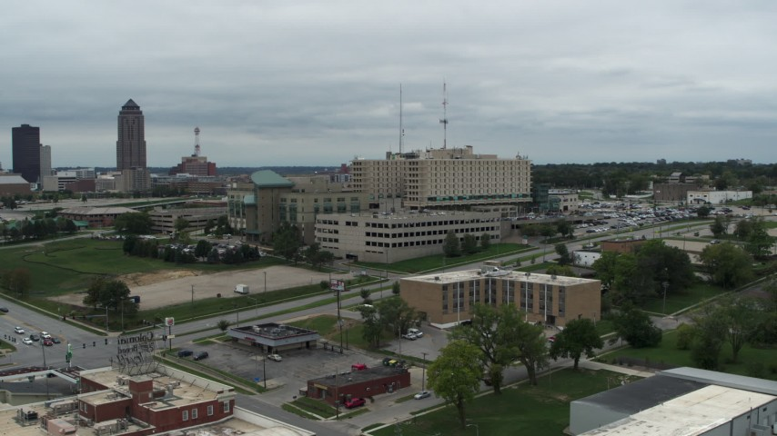5.7K stock footage aerial video of a hospital in Des Moines, Iowa while descending Aerial Stock Footage | DX0002_166_049