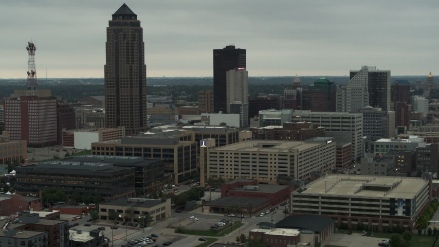 5.7K stock footage aerial video a skyscraper towering over office buildings in Downtown Des Moines, Iowa Aerial Stock Footage DX0002_167_021 | Axiom Images