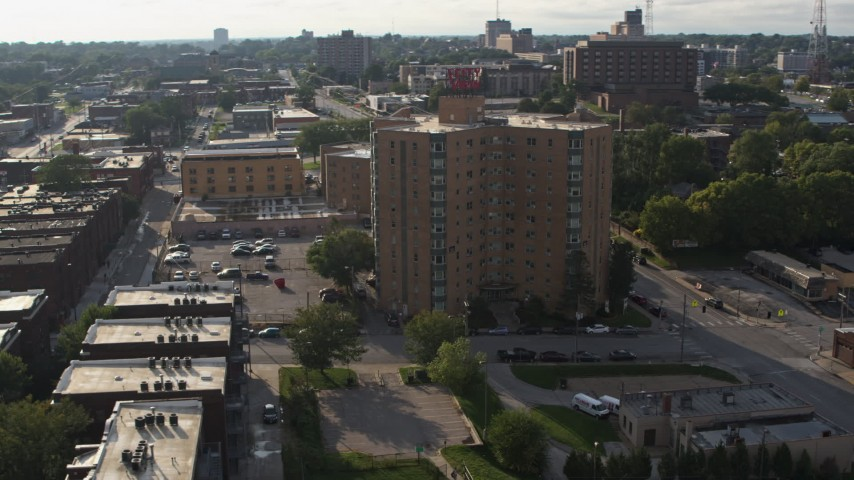 5.7K stock footage aerial video of an apartment building in Omaha, Nebraska Aerial Stock Footage | DX0002_170_032