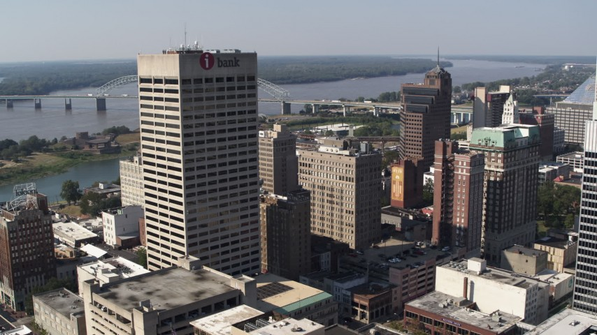 5.7K stock footage aerial video of the One Commerce Square office tower in Downtown Memphis, Tennessee Aerial Stock Footage | DX0002_179_009
