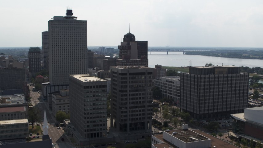 5.7K stock footage aerial video of approaching a county building and police station in Downtown Memphis, Tennessee Aerial Stock Footage | DX0002_184_014