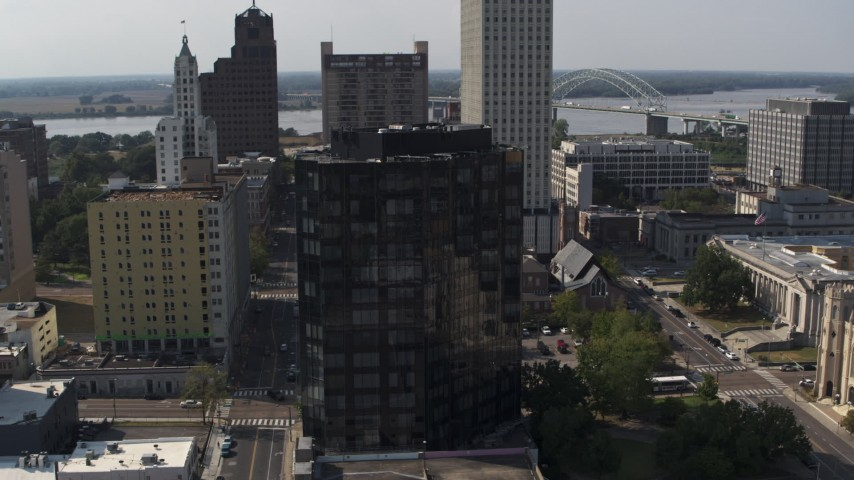 5.7K stock footage aerial video orbit and approach courthouse and office building in Downtown Memphis, Tennessee Aerial Stock Footage | DX0002_184_031