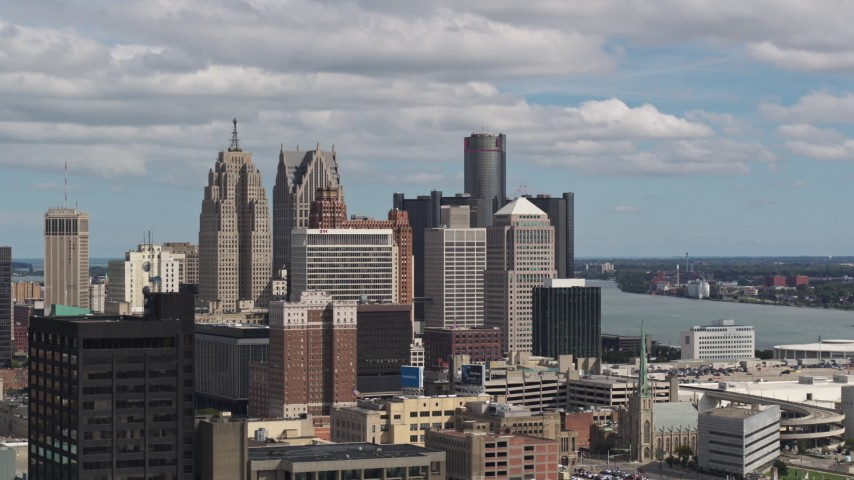 5.7K stock footage aerial video a view of the tall skyscrapers in the city's skyline, Downtown Detroit, Michigan Aerial Stock Footage | DX0002_189_033