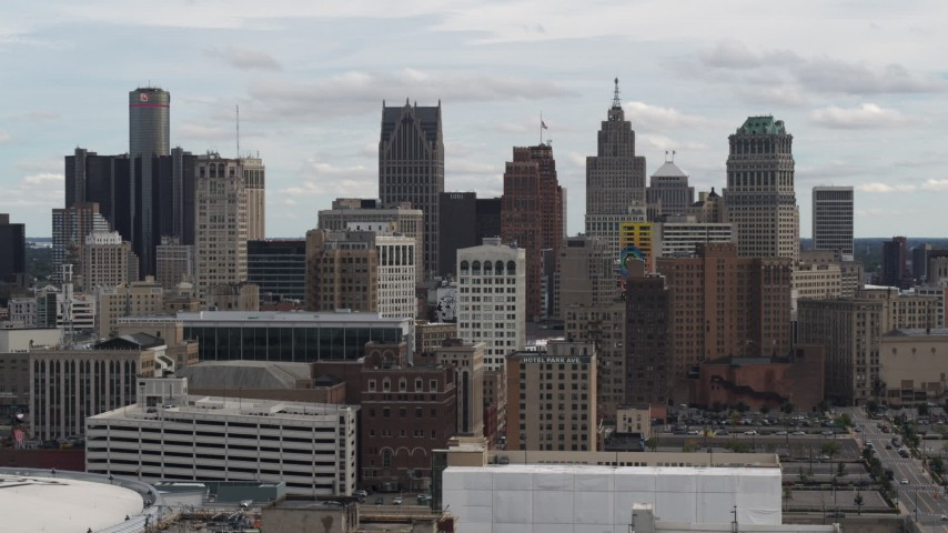 5.7K stock footage aerial video a view over rooftops of the city's skyline, Downtown Detroit, Michigan Aerial Stock Footage | DX0002_190_037