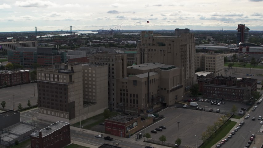 5.7K stock footage aerial video of orbiting the Detroit Masonic Temple building, Detroit, Michigan Aerial Stock Footage | DX0002_191_004