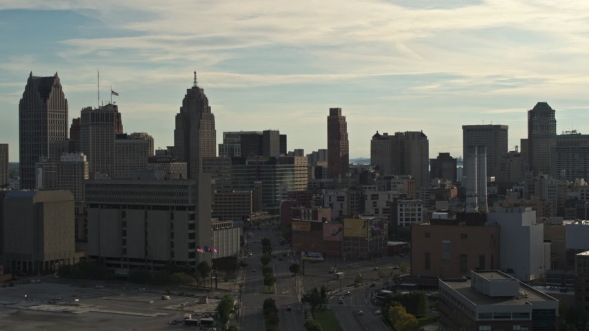 5.7K stock footage aerial video of a view of the city skyline at sunset in Downtown Detroit, Michigan Aerial Stock Footage | DX0002_192_003