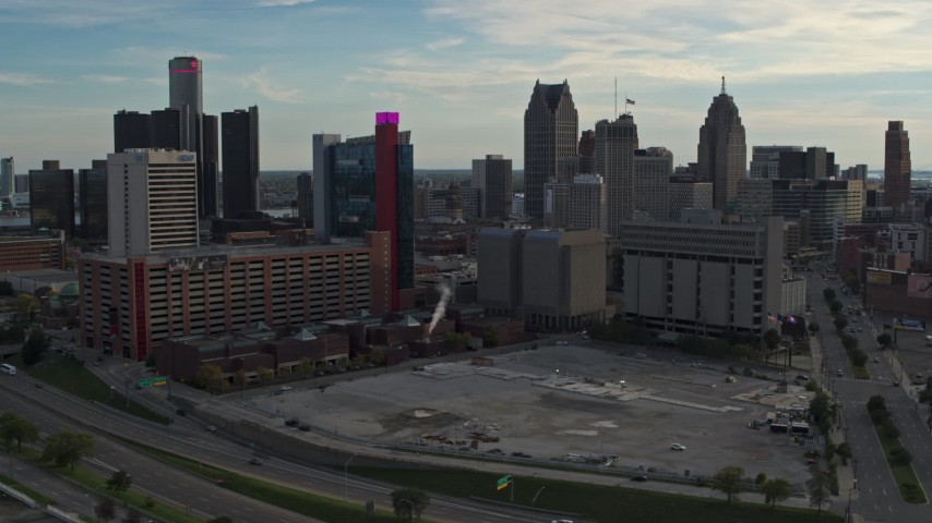 5.7K stock footage aerial video of a hotel and courthouse at sunset, Downtown Detroit, Michigan Aerial Stock Footage | DX0002_192_010