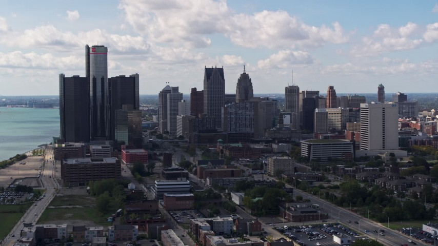 5.7K stock footage aerial video a view of GM Renaissance Center and the city's skyline, Downtown Detroit, Michigan Aerial Stock Footage | DX0002_194_001
