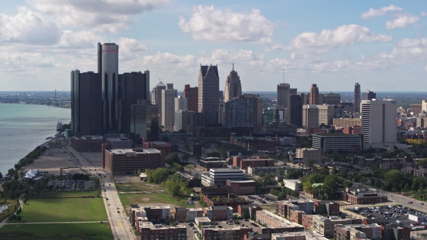 5.7K stock footage aerial video of passing GM Renaissance Center and the skyline in Downtown Detroit, Michigan Aerial Stock Footage | DX0002_194_011