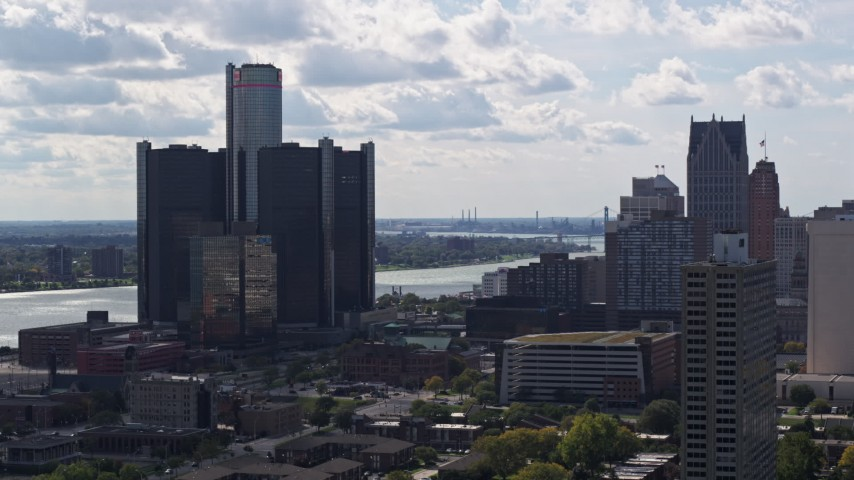 5.7K stock footage aerial video of orbiting GM Renaissance Center overlooking the river in Downtown Detroit, Michigan Aerial Stock Footage | DX0002_194_030