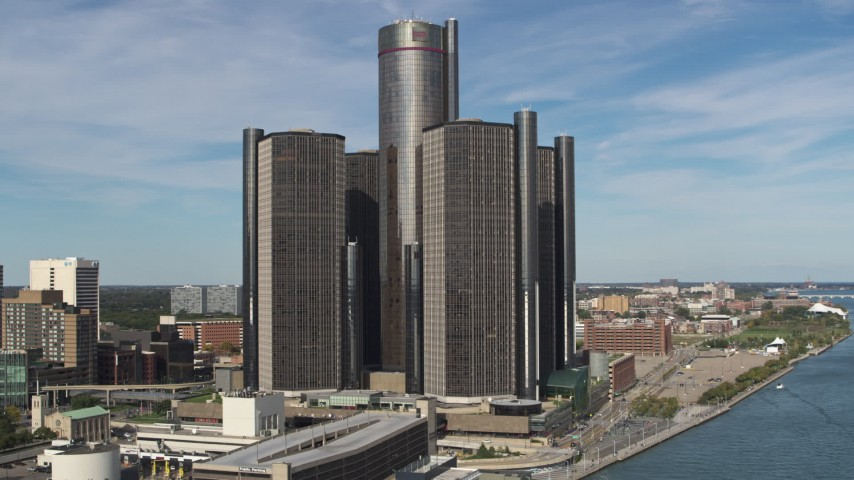 5.7K stock footage aerial video of flying away from GM Renaissance Center in Downtown Detroit, Michigan Aerial Stock Footage | DX0002_196_020