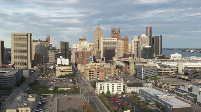 5.7K stock footage aerial video of ascending toward a group of skyscrapers in Downtown Detroit, Michigan Aerial Stock Footage | DX0002_196_033