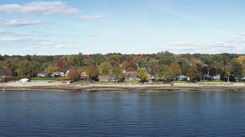 5.7K stock footage aerial video of beachfront homes on the shore of Lake Champlain, Burlington, Vermont Aerial Stock Footage | DX0002_223_018