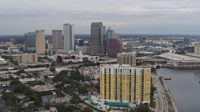 5.7K stock footage aerial video of the skyline in Downtown Tampa, Florida Aerial Stock Footage | DX0003_229_045
