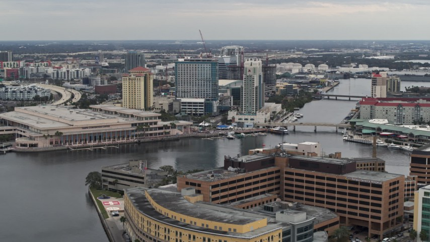 5.7K stock footage aerial video of waterfront convention center and hotels in Downtown Tampa, Florida Aerial Stock Footage | DX0003_230_012